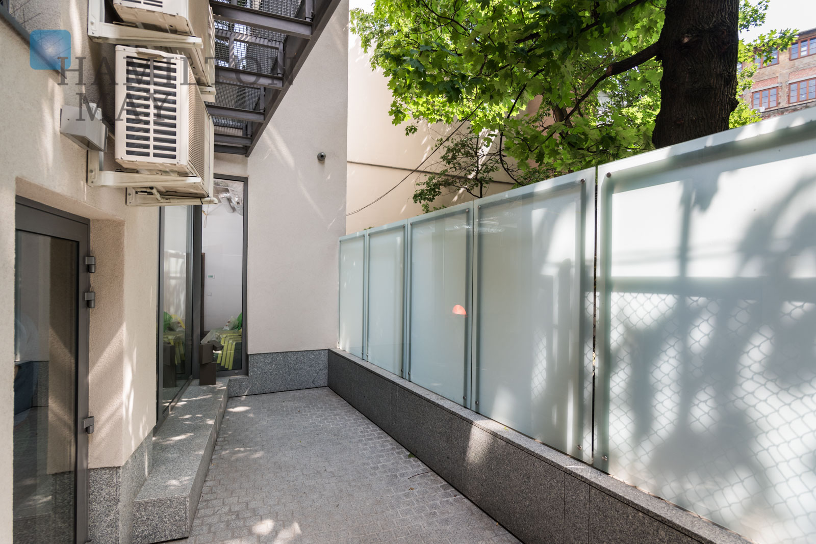 An office space with a terrace available for rent in a modern office building in the very center of Krakow Krakow for rent