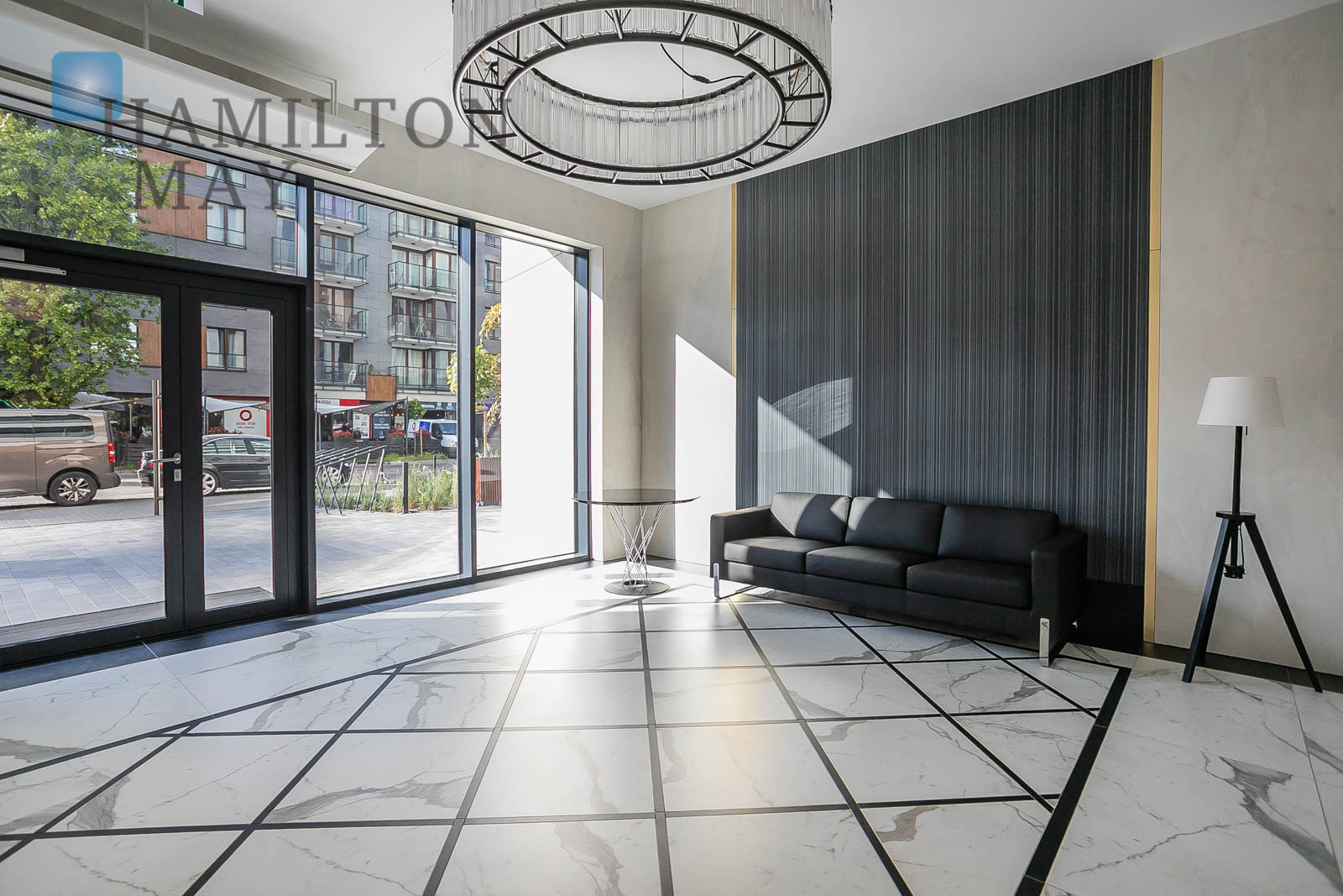 Elegant and fully furnished apartment in the Metropoint investment at ul. Karolkowa for sale Warsaw for sale