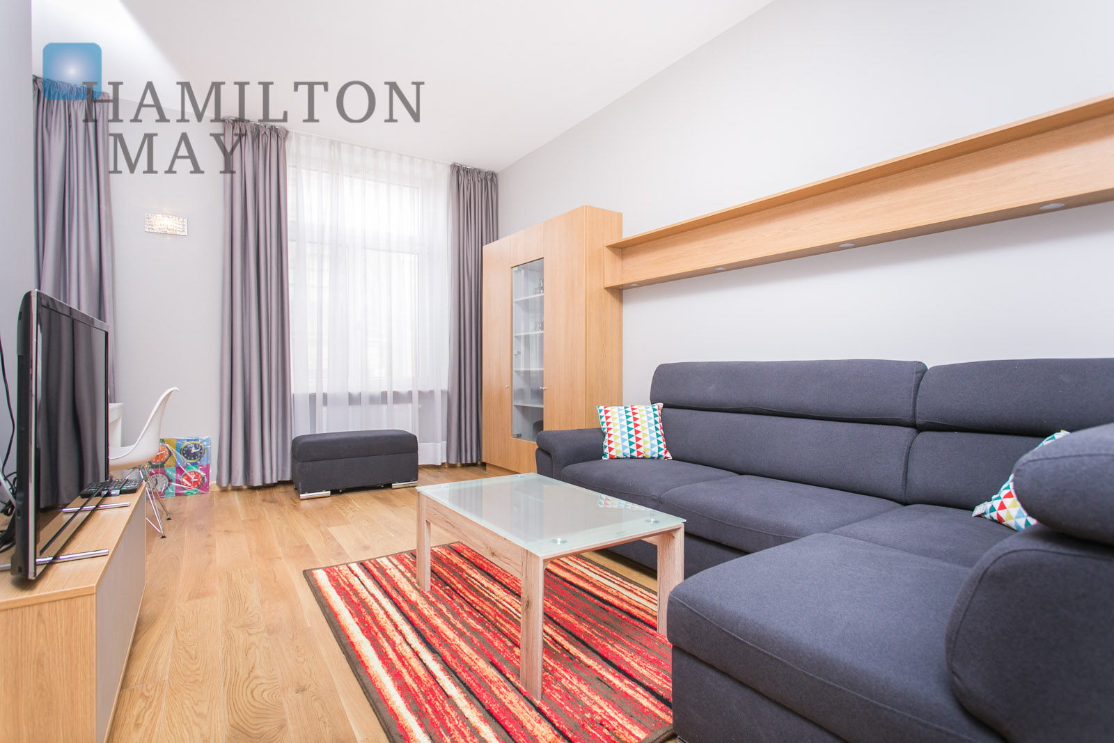 A spacious two bedroom apartment right by the Market Square Krakow for rent