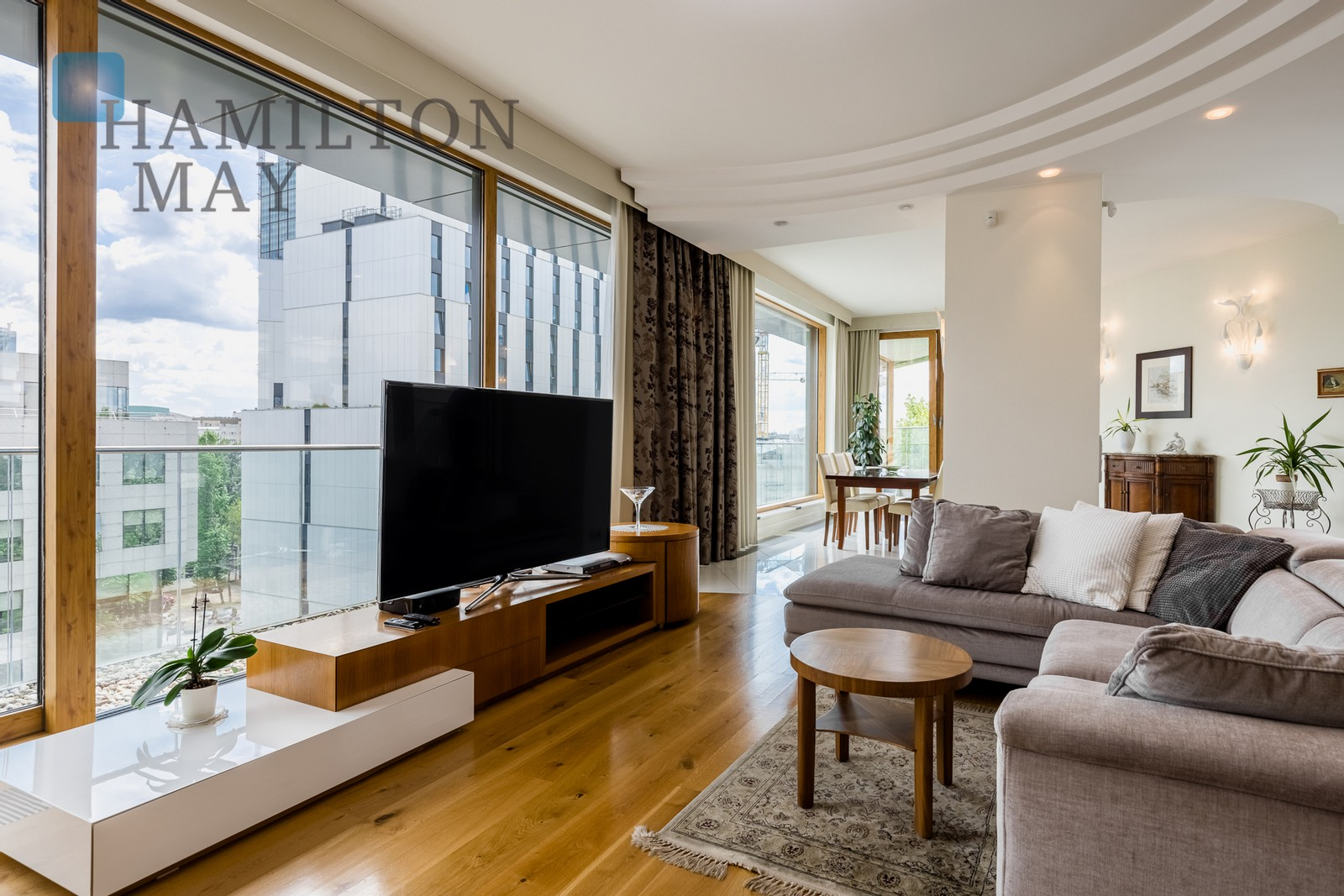 Apartment with a pool and terrace in Villa Karolina Warsaw for sale