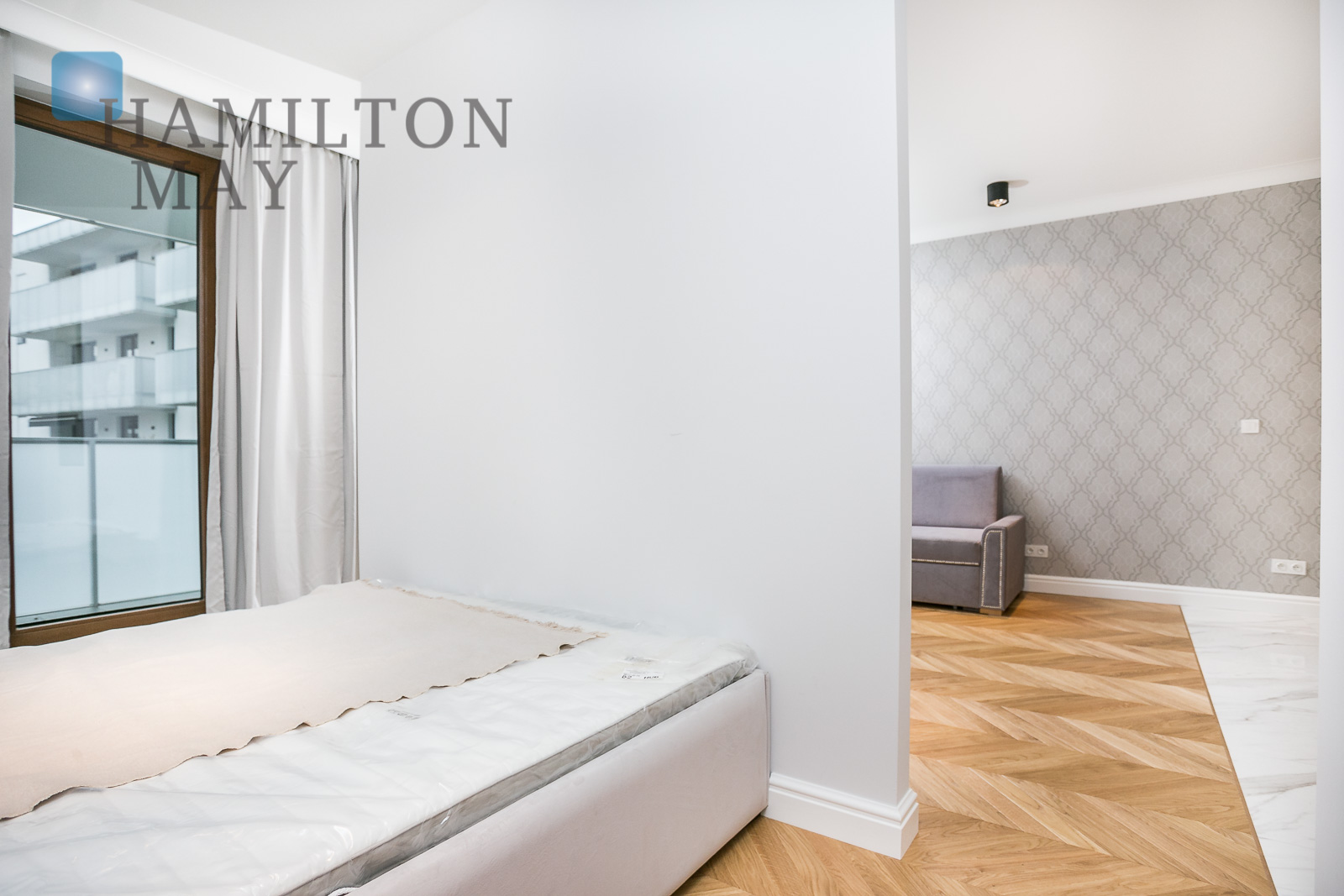 Elegantly finished studio with a separate bedroom in the Kamienica Muranów development Warsaw for rent