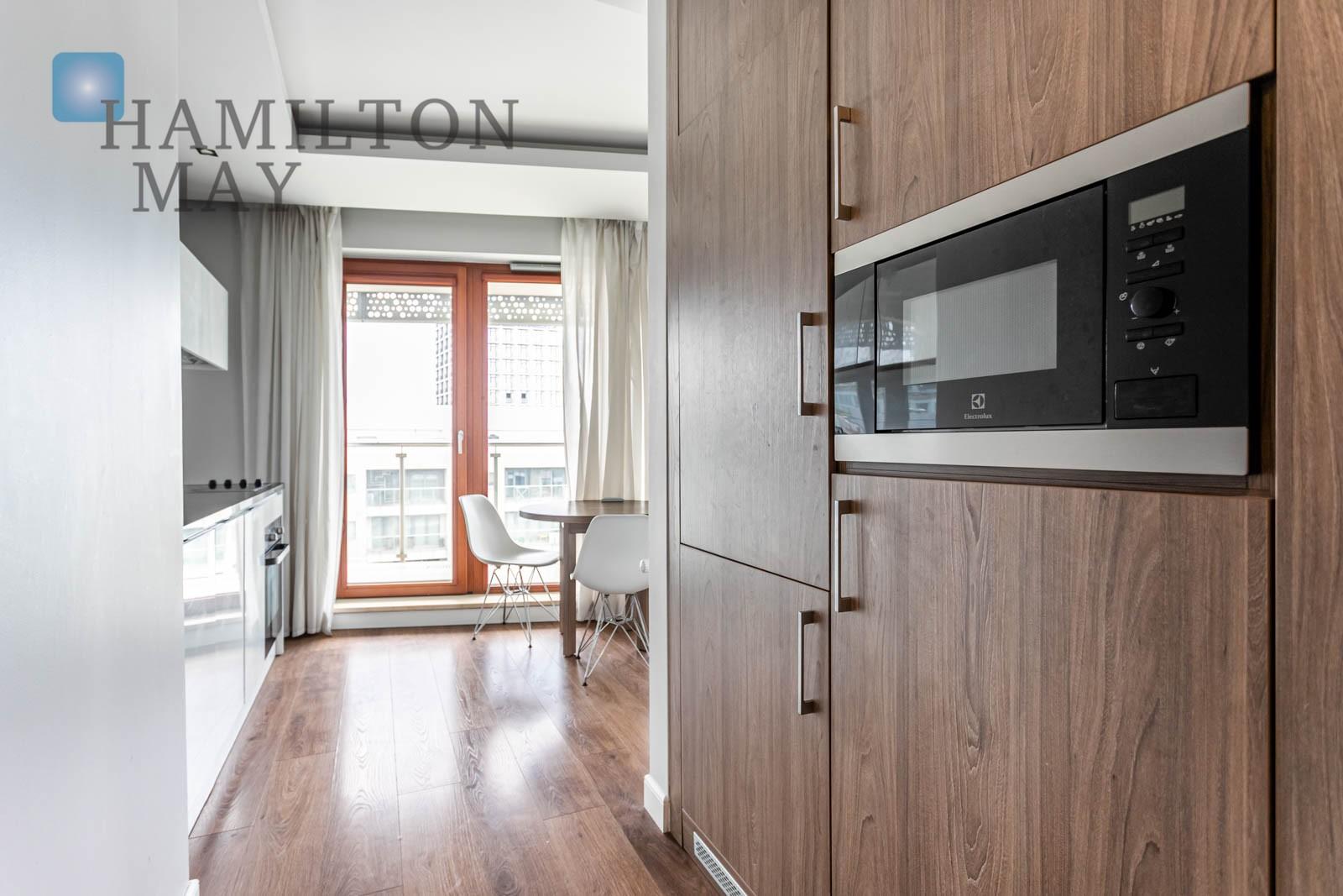 Ciche, dwupokojowe mieszkanie ztarasemprzy ulicy Wroniej 45 Warszawa na sprzedaż