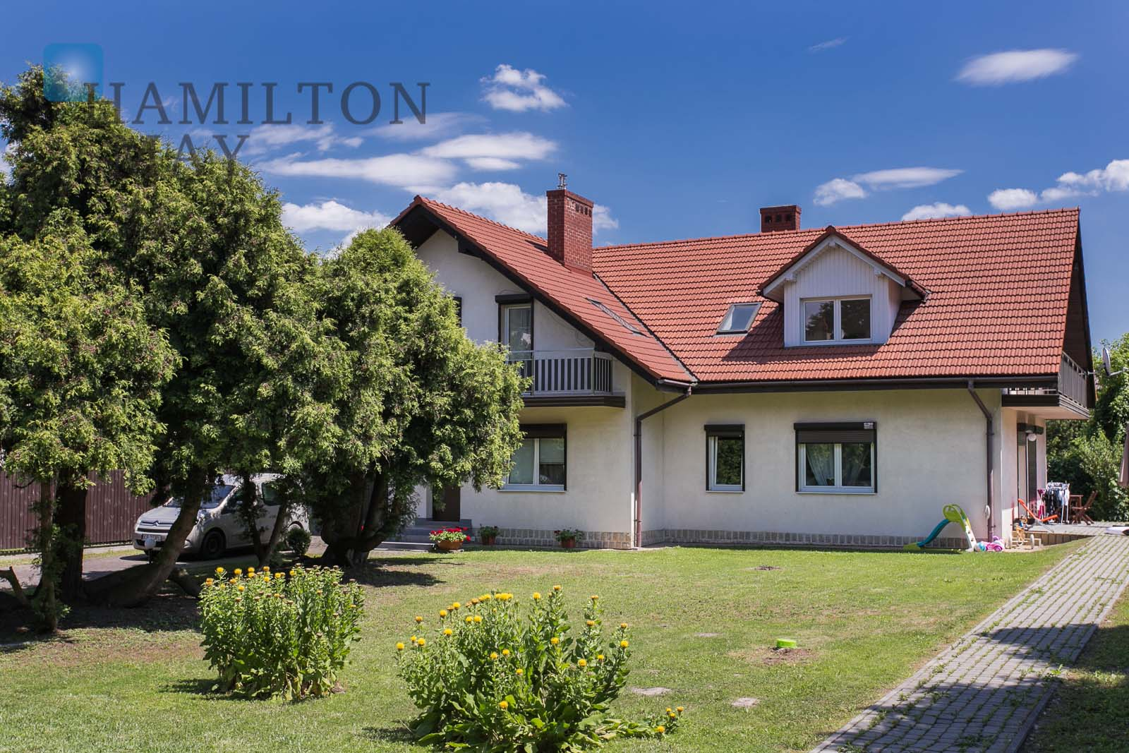 A spacious house near Park Decjusza in Wola Justowska Krakow for sale