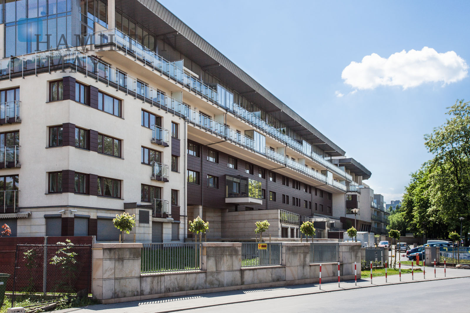 Luxurious two bedroom apartment with two balconies in the Apartamenty Ludwinów investment Krakow for rent