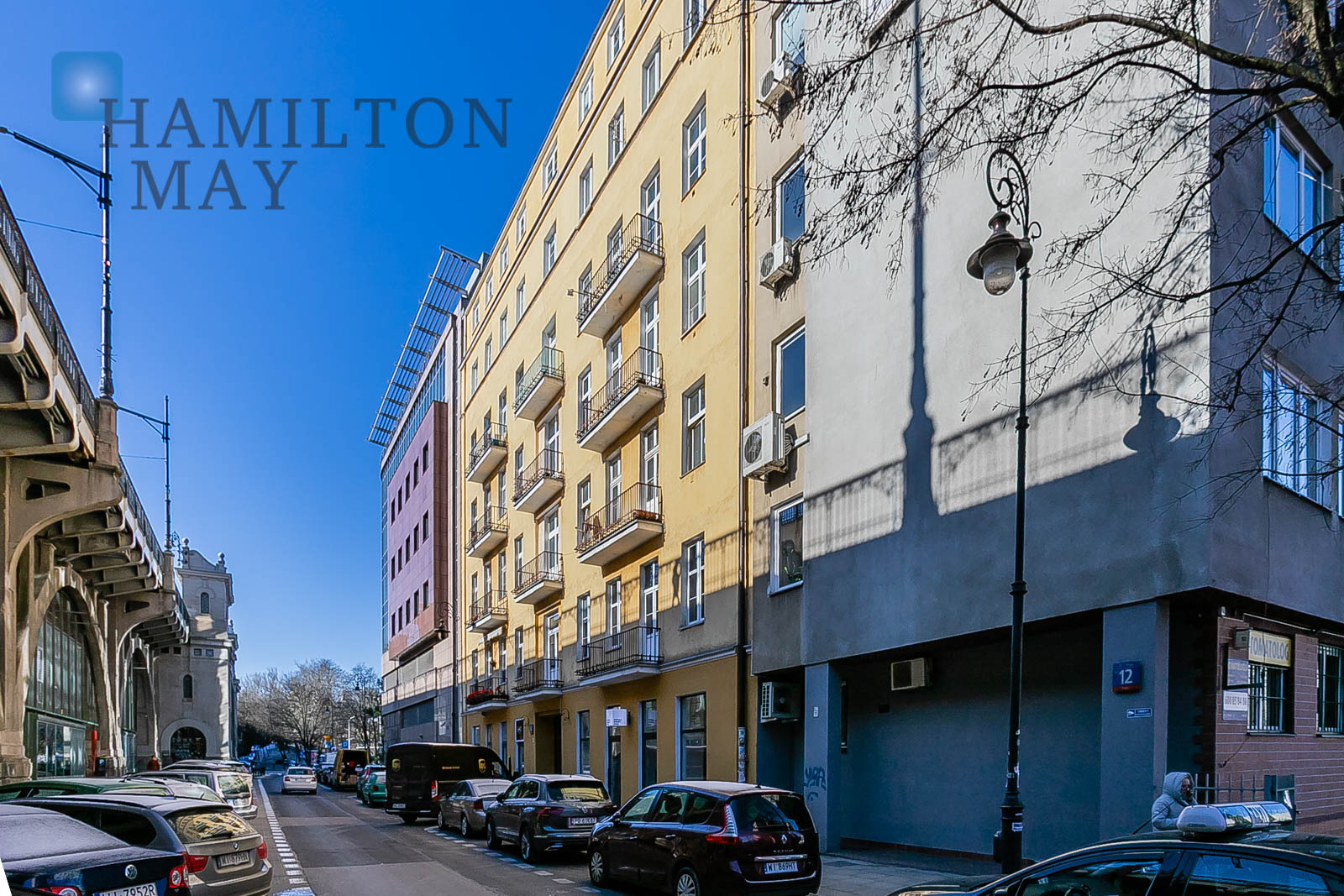 A spacious apartment in a prewar townhouse in Powiśle Warsaw for sale
