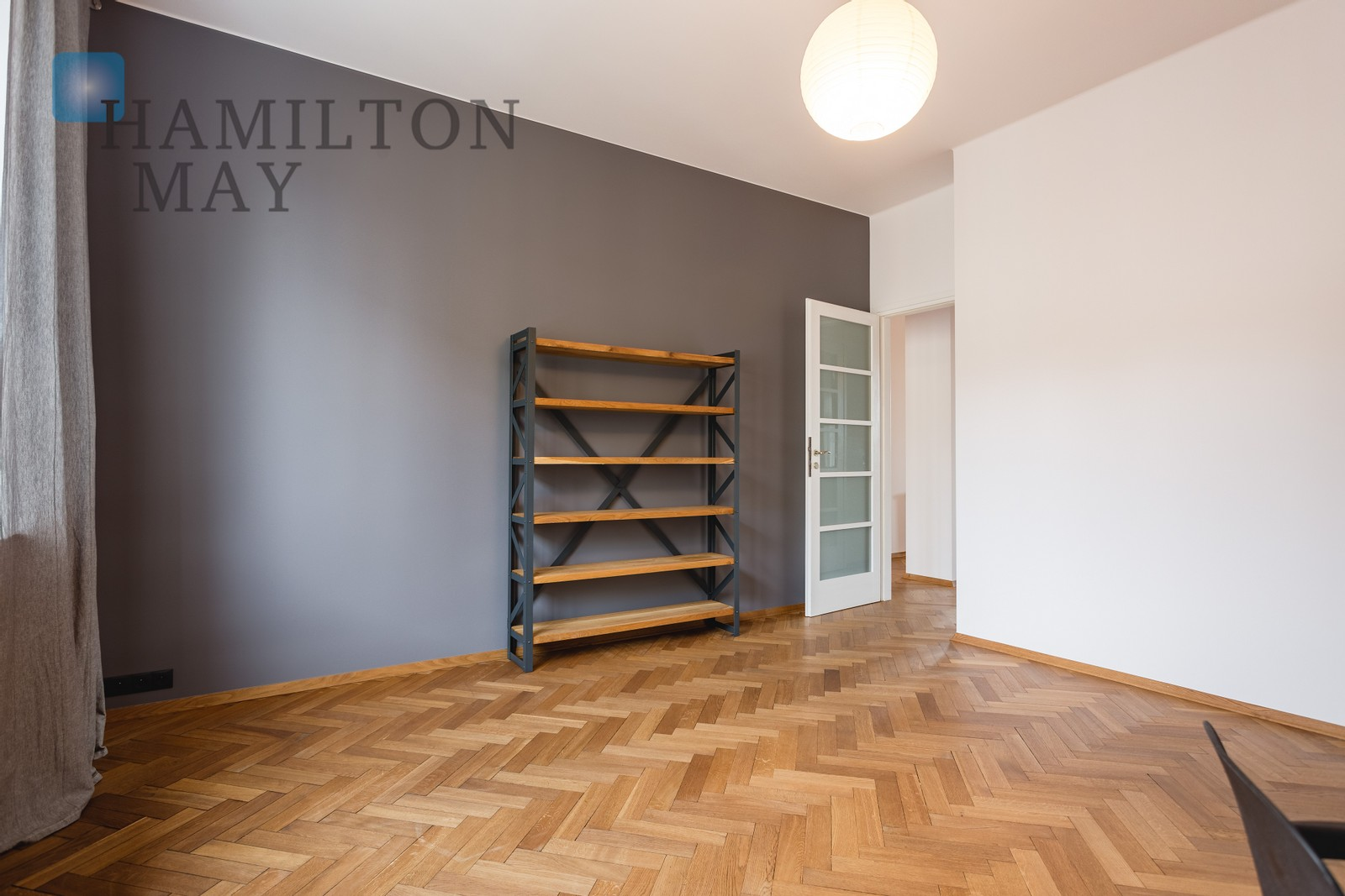 A spacious, 2-bedroom apartment in a townhouse with an elevator, located in the center of Kraków Krakow for rent