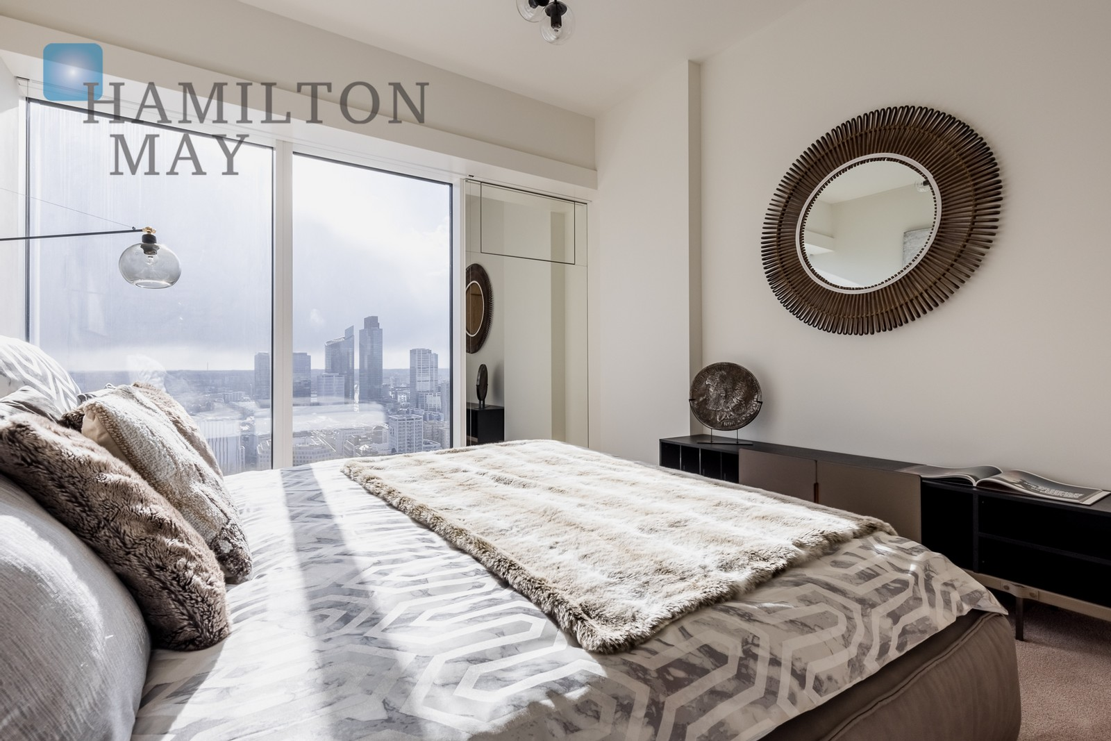 """A unique apartment with a beautiful panorama of the capital on the 29th floor of the """"Złota 44"""" investment Warsaw for sale"""