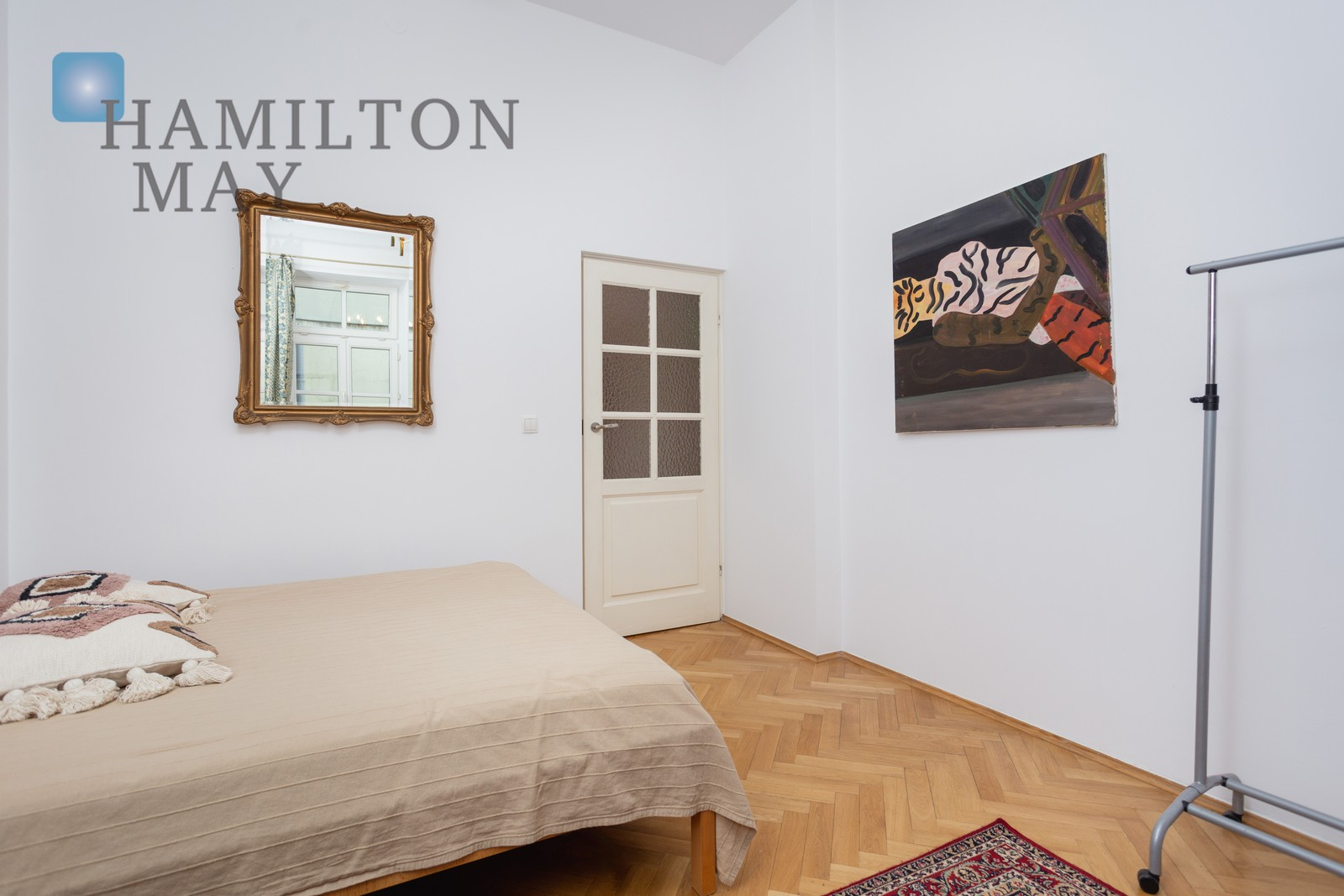 A quiet and spacious one bedroom apartment in the heart of Kazimierz Krakow for rent