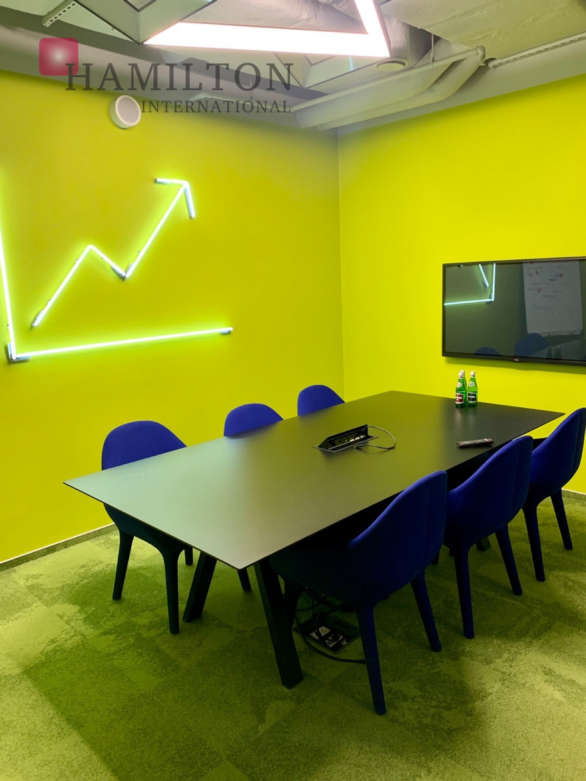 Office in the intimate building Hala Koszyki Warsaw office space photo