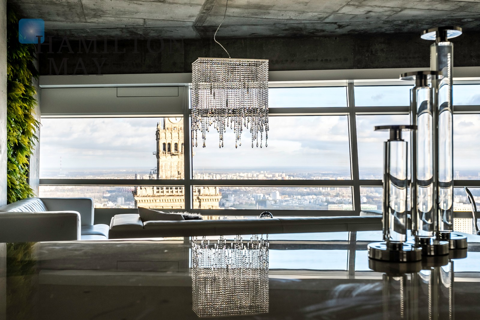 A luxurious apartment on the 44th floor of the Złotej 44 development Warsaw for rent