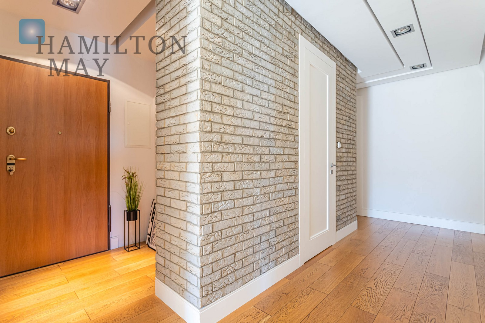 Penthouse with a 170 sqm terrace in Miasteczko Wilanow Warsaw for sale