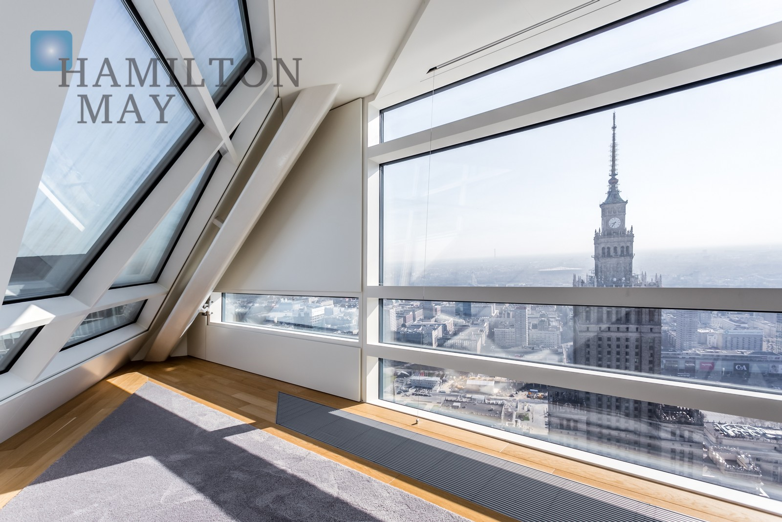 300m2 three-bedroom apartment with a breathtaking view of the Palace of Culture in the Złota 44 development Warsaw for sale
