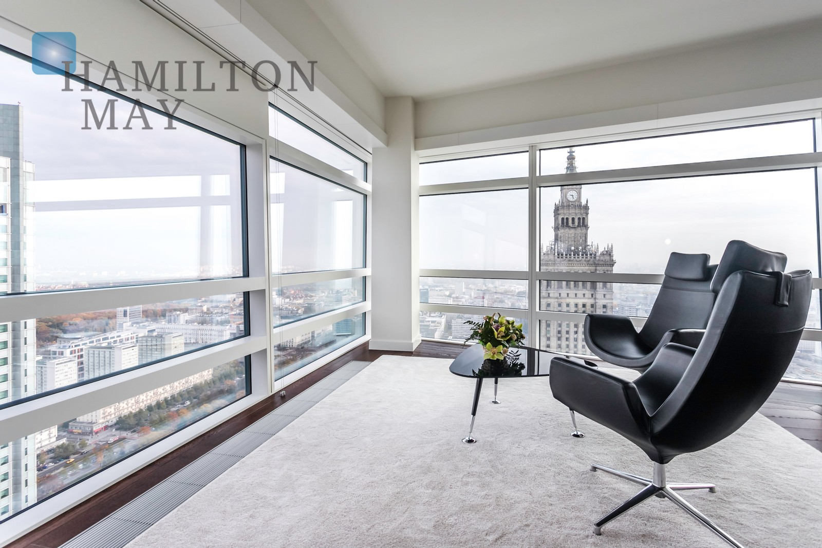 Stylish two bedroom apartment with a view of the Palace of Culture in Złota 44 Warsaw for sale