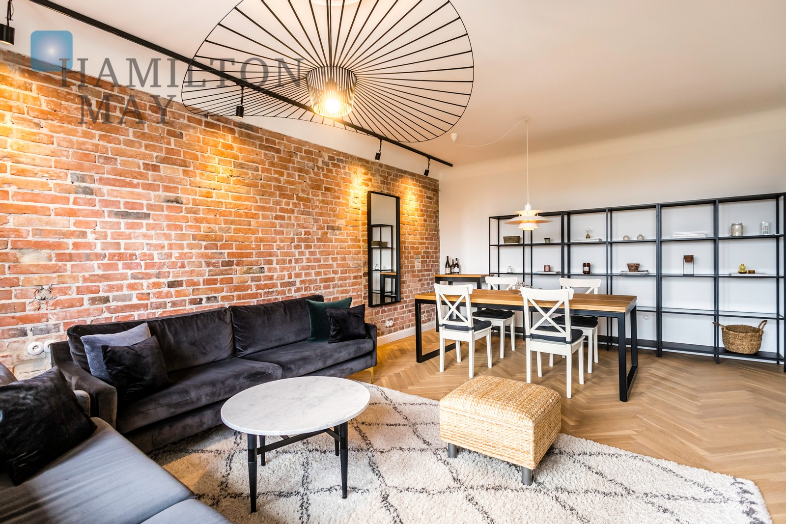 A beautiful apartment in a pre-war tenement house Warsaw for rent