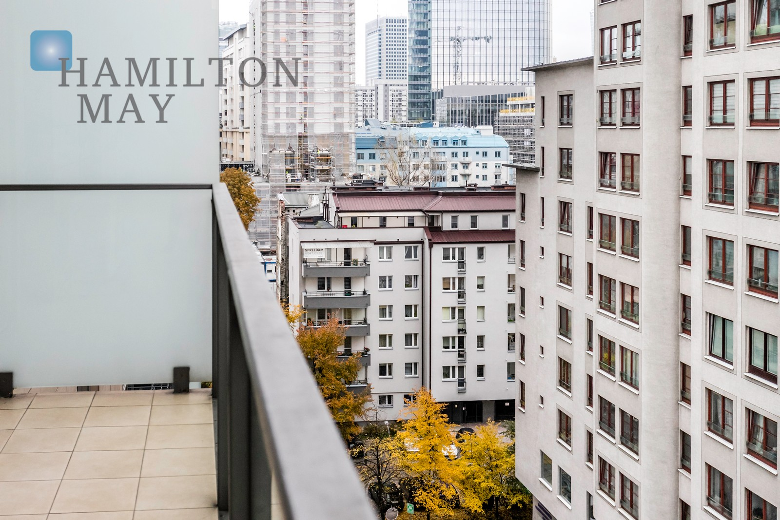 """Elegant apartment in the """"Platinum Towers"""" investment Warsaw for rent"""
