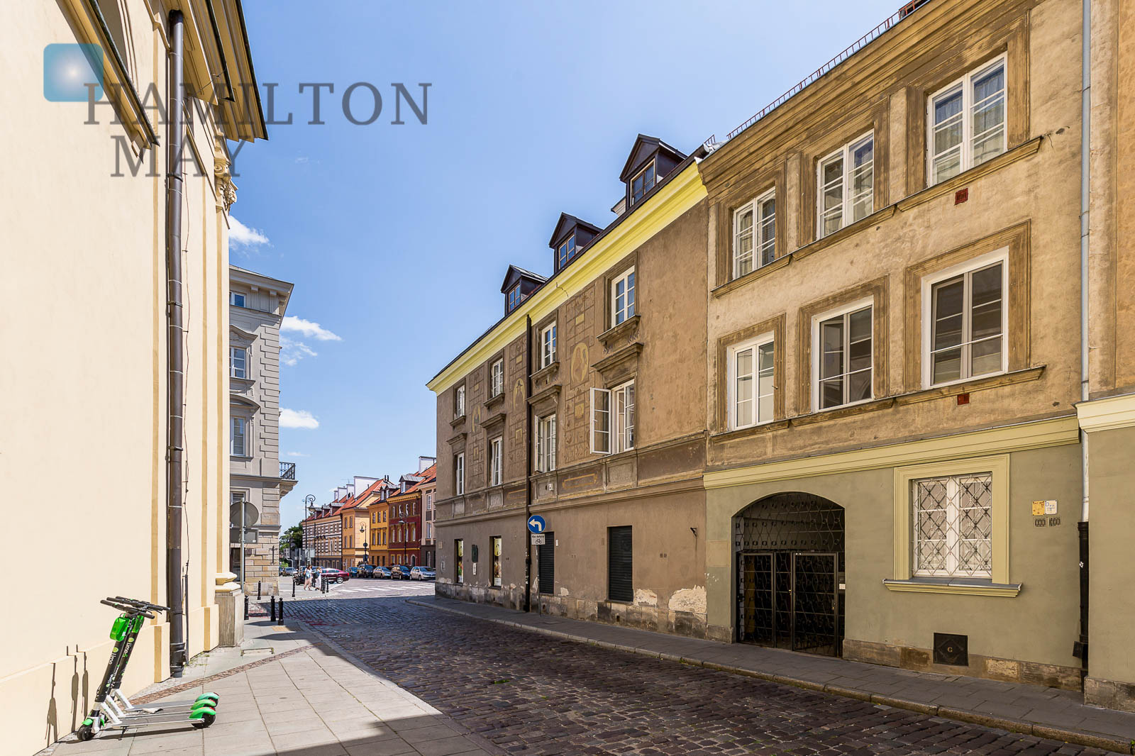 A discreet and luxurious apartment in the New Town area Warsaw for sale