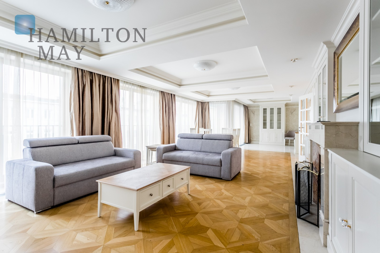A luxurious five-rooms apartment in the elegant Restaura Górskiego investment Warsaw for sale