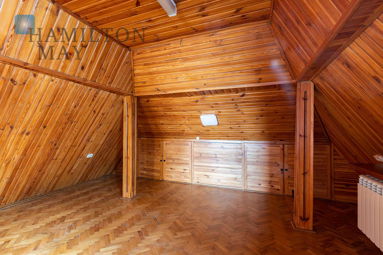 Spacious detached house on Old Wilanow Warsaw for rent