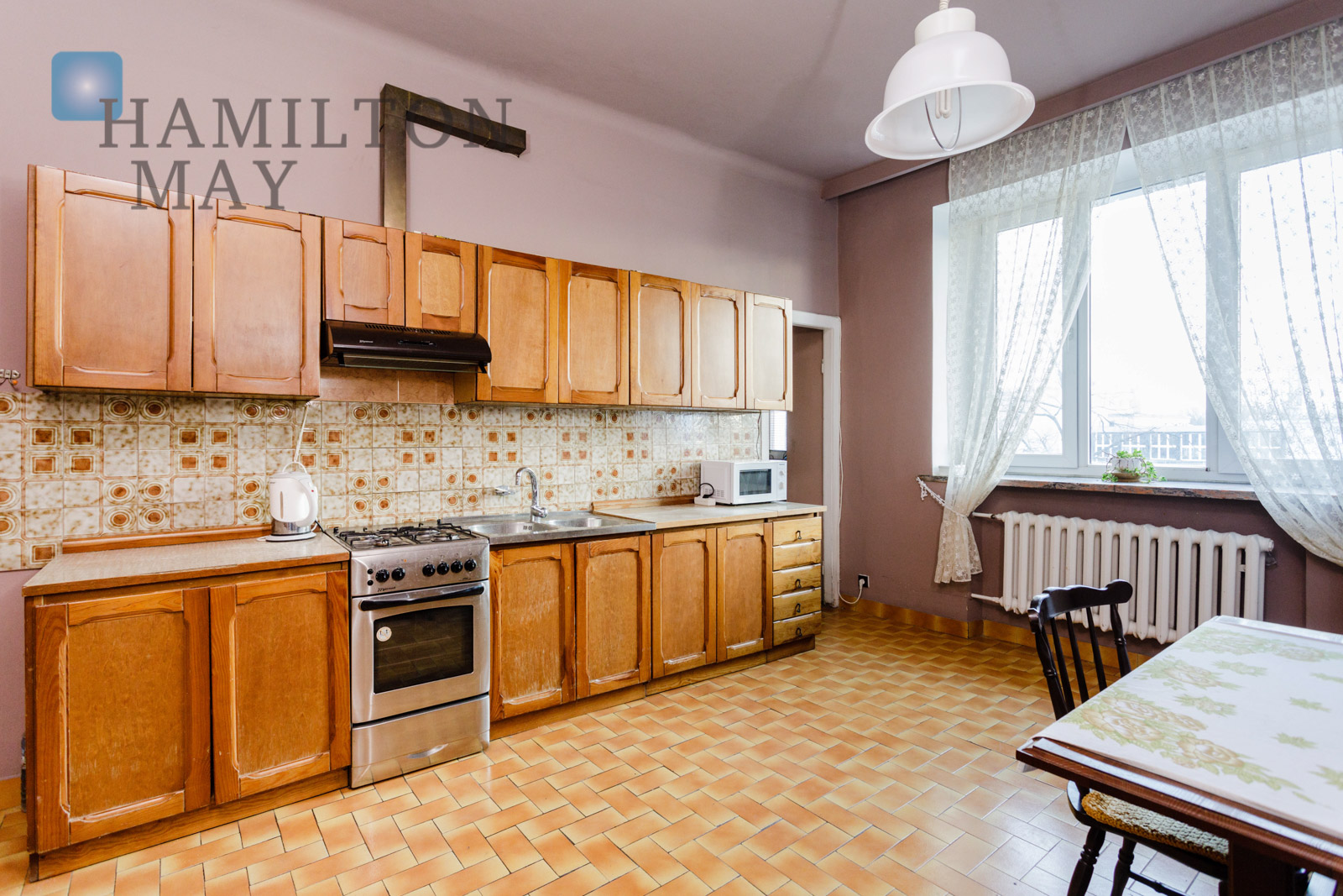 A unique, four bedroom apartment situated at the intersection of Trasa Łazienkowska and Rozbrat streets Warsaw for sale