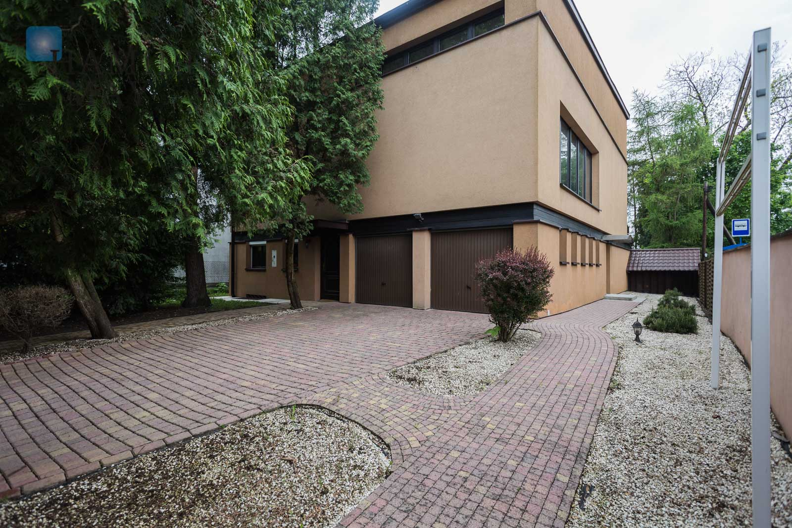 Large, unique house with four bedrooms, located in the greenest part of Wola Justowska Krakow for sale
