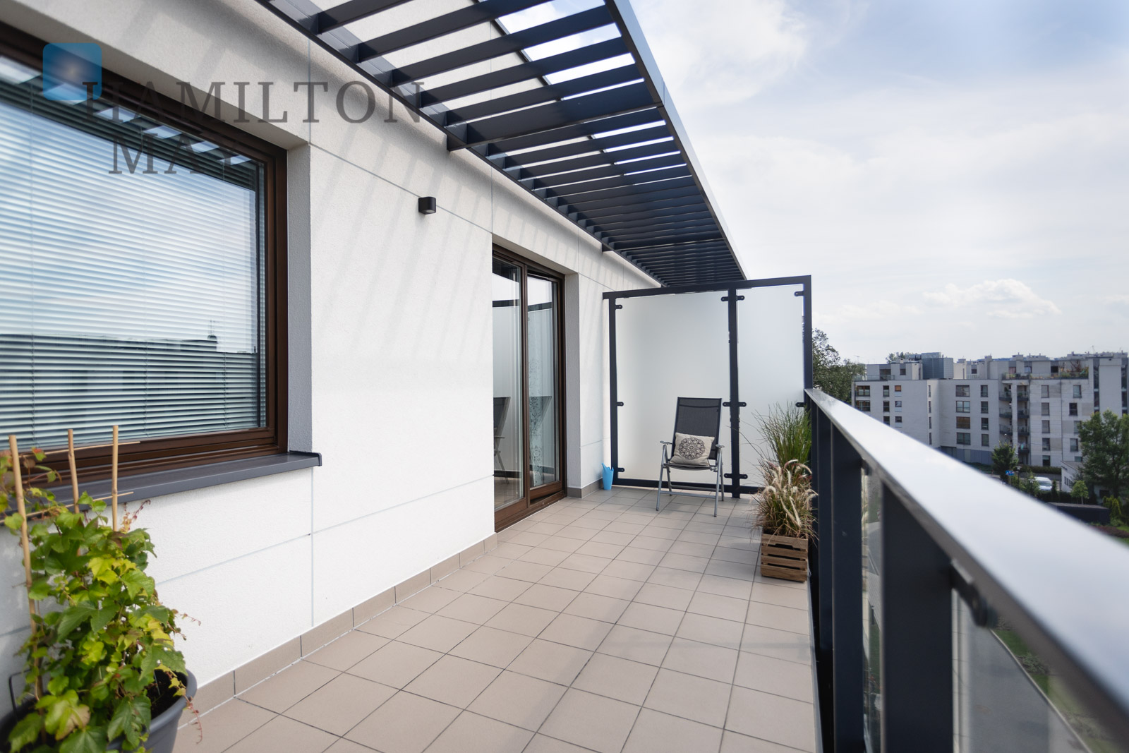 Stunning top floor apartment in Dom pod Wilga with large sunny terrace with excellent views Krakow for rent