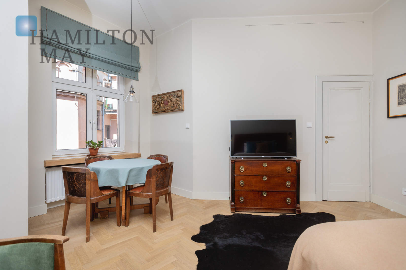 A beautiful, stylish apartment in a renovated tenement building in the Old Town Krakow for sale