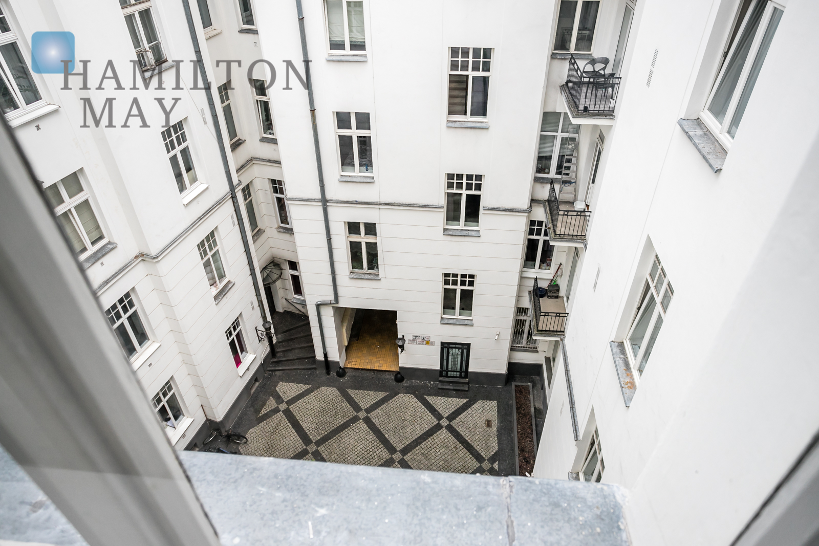 A two bedroom apartment in the Kamienica Ordynacka investment Warsaw for rent