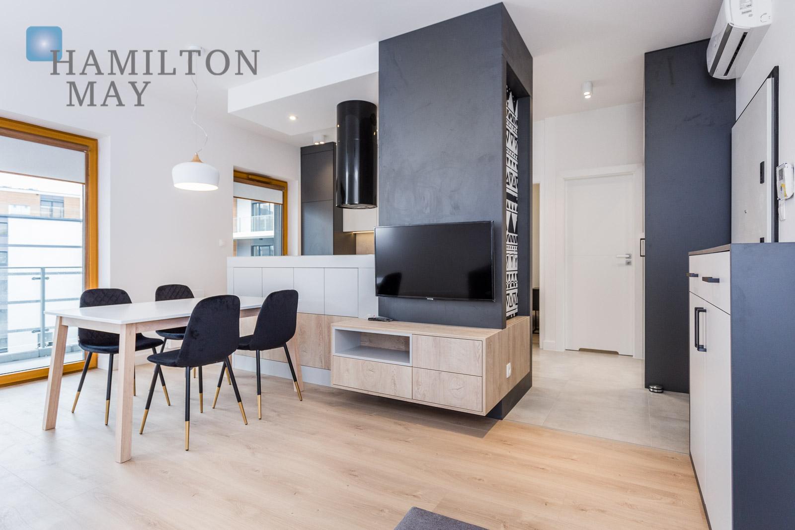 A Beautiful And Contemporary One Bedroom Apartment With Balcony In The Prestigious Novum Development Rakowicka Krakow For Rental Ref 14217 Hamilton May