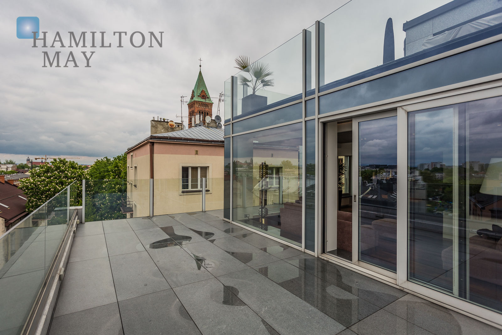 Luxurious one bedroom apartment with a big terrace and  beautiful view over the Krakow's skyline, in a modern investment in Podgórze Krakow for rent